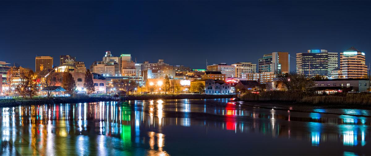 slider Wayman - Wilmington at night